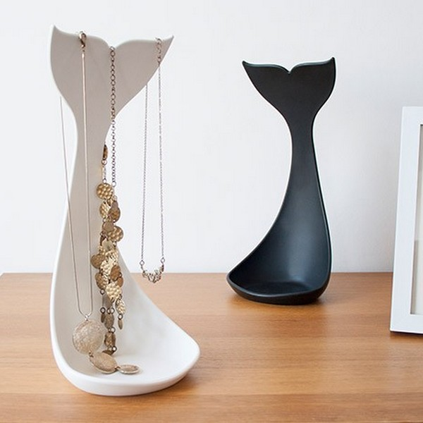 whale_necklace_stand_04